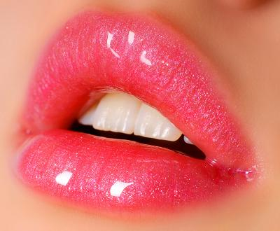 sexy-full-lips-dt_3907790