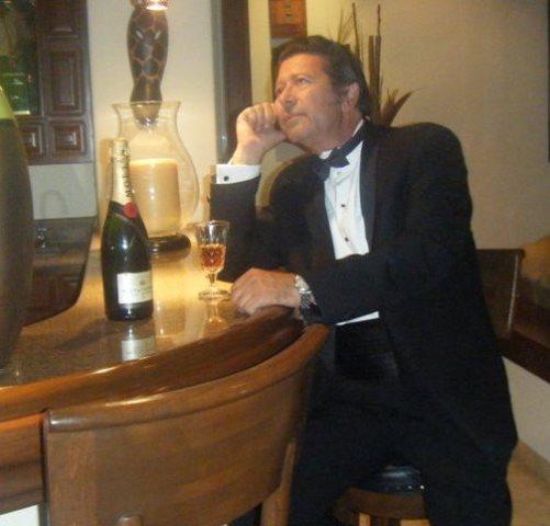 Mario H. Russo declamando Sembrando de Marcos Rafael BlancoBelmonte
