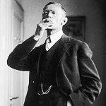 Hermann_Hesse_1926_by_Gret_Widmann