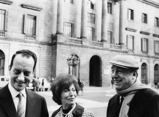 izquierda_derecha_Esteban_Busquets_Matilde_Urrutia_Pablo_Neruda_Barcelona_1967