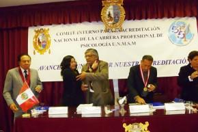 FANNY JEM WONG SUSTENTACION GRADO UNMSM (13)
