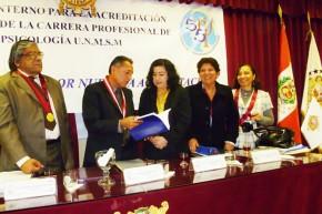 FANNY JEM WONG SUSTENTACION GRADO UNMSM (8)