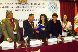 FANNY JEM WONG SUSTENTACION GRADO UNMSM (9)