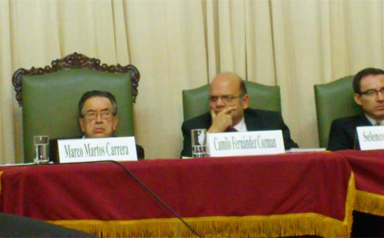 HOMENAJE POR LOS 25 AÑOS DE CRÍTICO LITERARIO DEL DR. CAMILO FERNÁNDEZ COZMAN - (4)