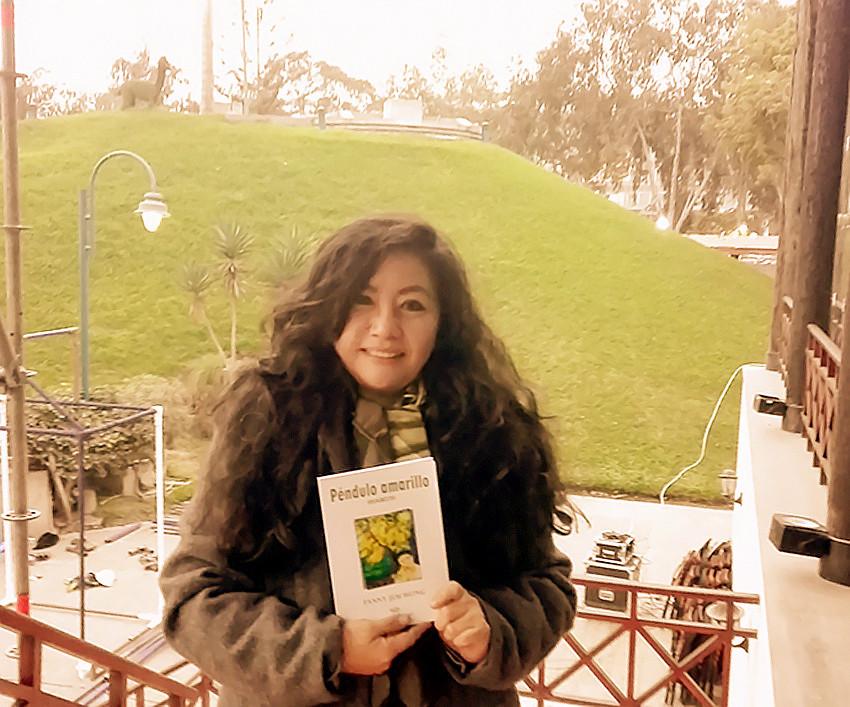 Fanny Jem Wong , Parque de la Amistad , Municipalidad de Santiago de Surco, momentos antes del Recital poético.