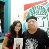 La poeta, Mg. en psicología y docente en la Universidad César Vallejo (Filial Callao ), Fanny Jem Wong, con el destacado escritor e investigador puneño José Luis Ayala.