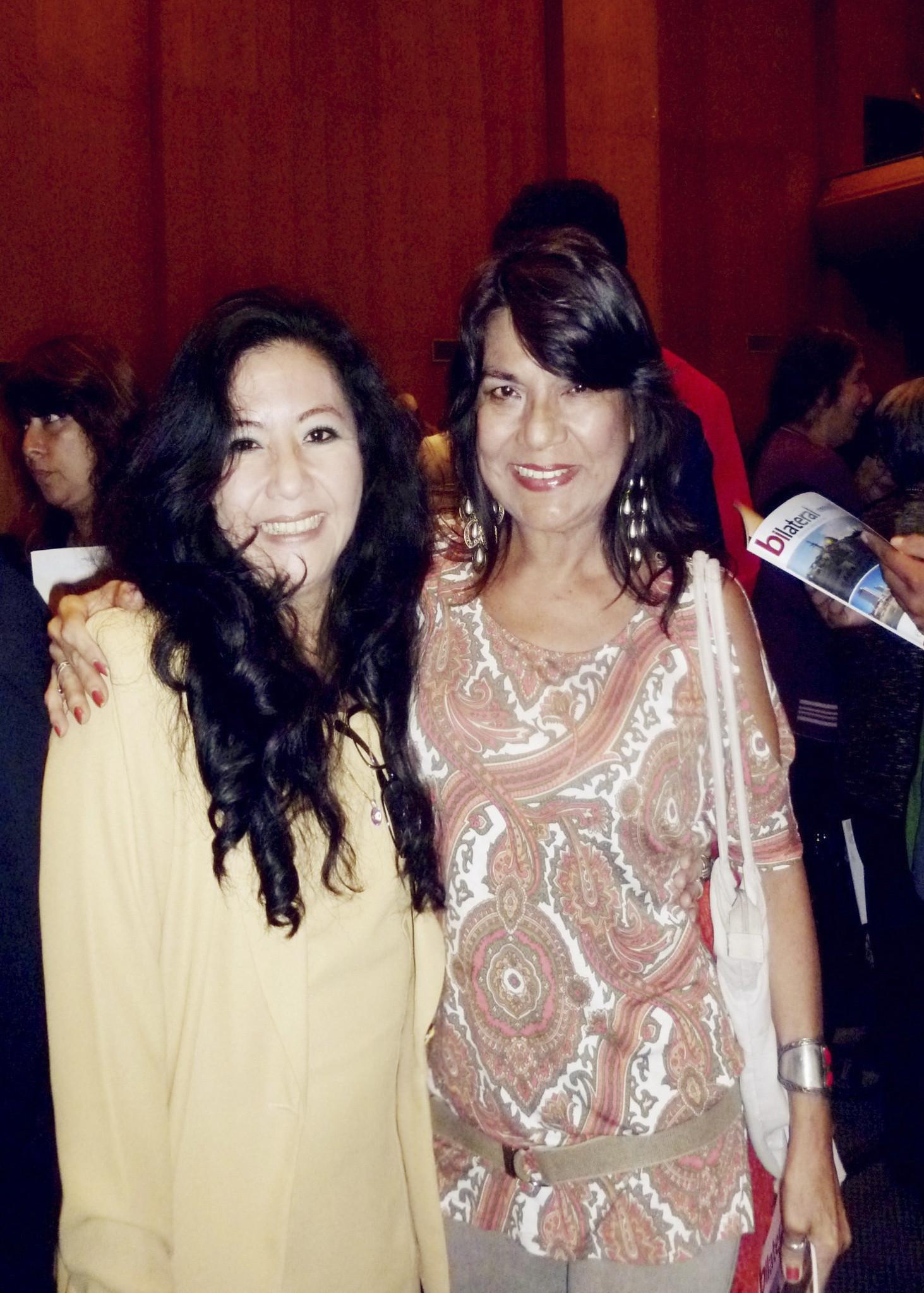 Fanny Jem Wong, Magister en Psicología, docente universitaria con Pilar Coca Santibáñez, artista plástica 30-04-2014 (1)