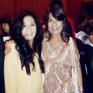 Fanny Jem Wong, Magister en Psicología y docente en la Universidad César Vallejo (Filial Callao), y La artista plástica , poeta y restauradora Pilar Coca , en el Teatro Municipal del Callao.