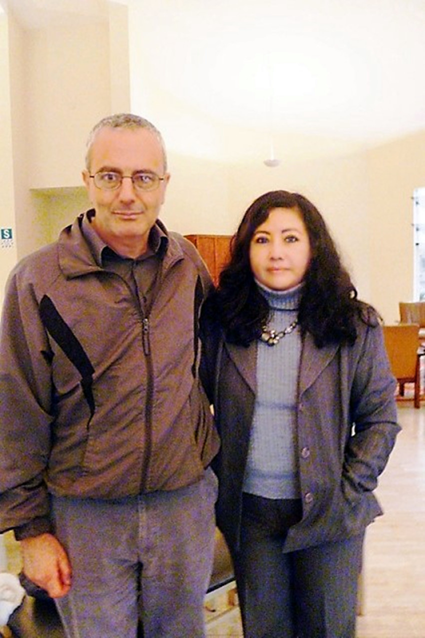 Fanny Jem Wong, Magister en Psicología y docente en la Universidad César Vallejo (Filial Callao), y Dr. Farid Kahhat Analista Internacional Profesor De Ciencias Políticas en La Pontificia Universidad Católica Del Perú, en el Palacio de Cristal del Club Árabe Palestino
