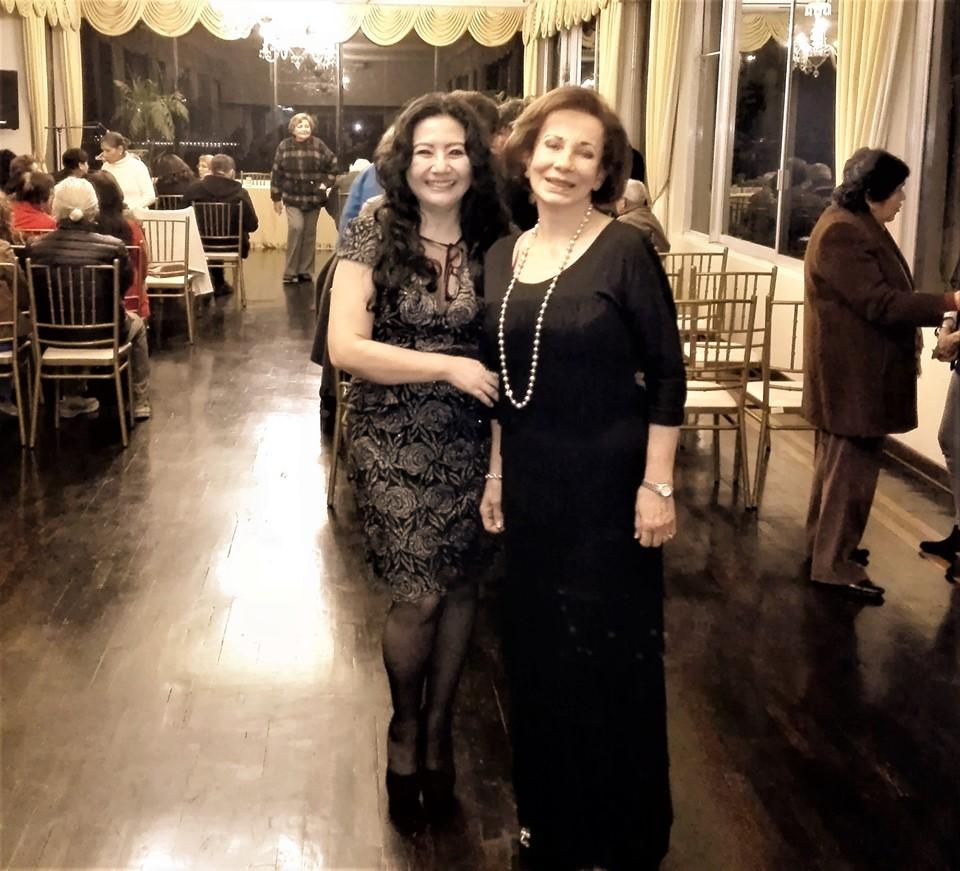 La poeta, Mg.en psicología y docente en la Universidad César Vallejo FILIAL CALLAO Fanny Jem Wong, con el destacada artista Elsa Pulgar -Vidal