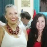 La Directora de Imagen de la Sociedad Literaria Amantes del País, la poeta y Mg. en Psicología, Fanny Jem Wong, de la Universidad César Vallejo (Filial Callao), con la Excelentísima Embajadora de Nicaragua Marcela Pérez Silva.