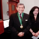 La reconocida poeta, Mg. en Psicología y docente en la Universidad César Vallejo (filial Callao), Fanny Jem Wong, con el Decano del Colegio de Sociólogos del Perú y catedrático en la Universidad Ricardo Palma, Dr. Eduardo José Arroyo Laguna.