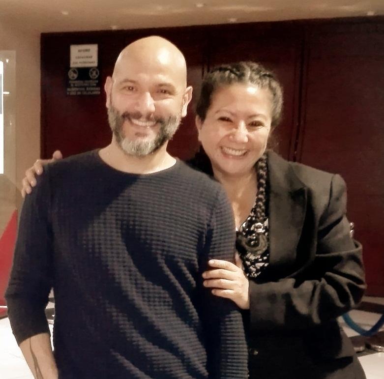 Con mi querido amigo el destacado bailarín, coreógrafo, profesor y   director de la compañía Pepe Hevia Danza. Maestro de danza en el Perú y    papá artistico de mi hijo Giorgio Romildo Ramos Wong.