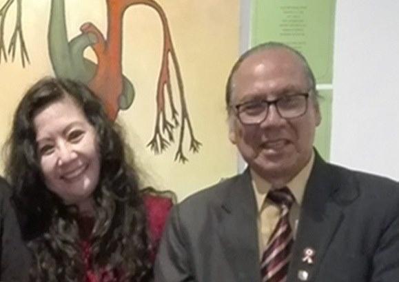 La poeta y Mg. en Psicología, FANNY JEM WONG con el Director de Cultura de la Municipalidad de Jesús María, ROMÁN ALVARADO CANO .